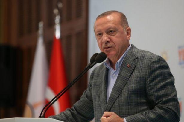 """Erdoğan threatens Europe with """"opening doors"""" again"""