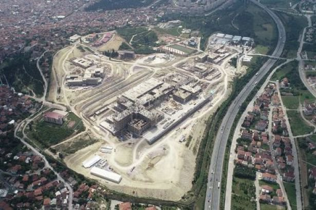Construction workers stopped working, get fired in Turkey's Kocaeli