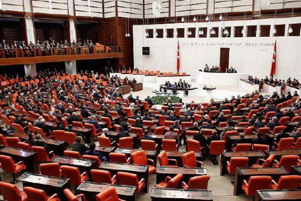 Turkish parliament ratifies anti-labor 11th development plan: AKP lowers expectations
